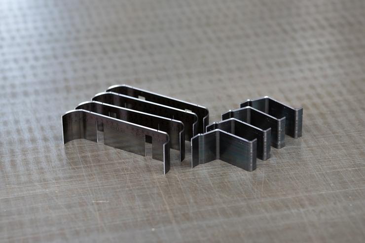 刃曲げ加工サンプル2