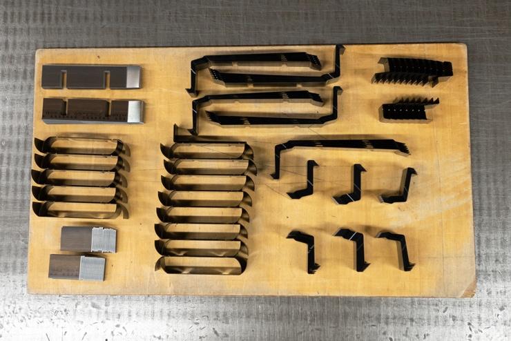 刃曲げ加工サンプル3